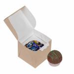 Мини подарок - шоколадный шар и конфеты.